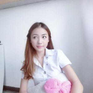 Chiêm ngưỡng nhan sắc của nữ y tá xinh đẹp nhất Thái Lan