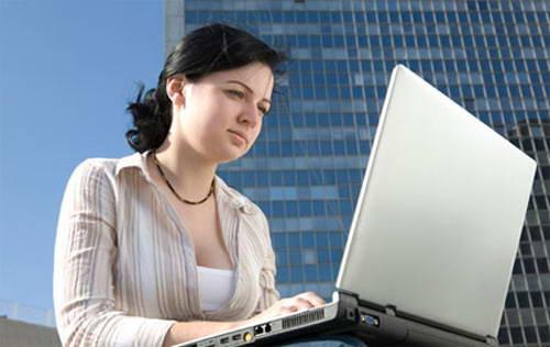 Bị bệnh trĩ do ngồi máy tính nhiều