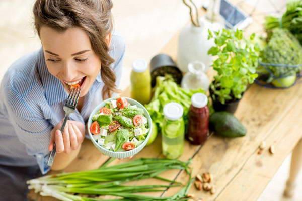 Ăn nhiều rau, quả để phòng bệnh trĩ